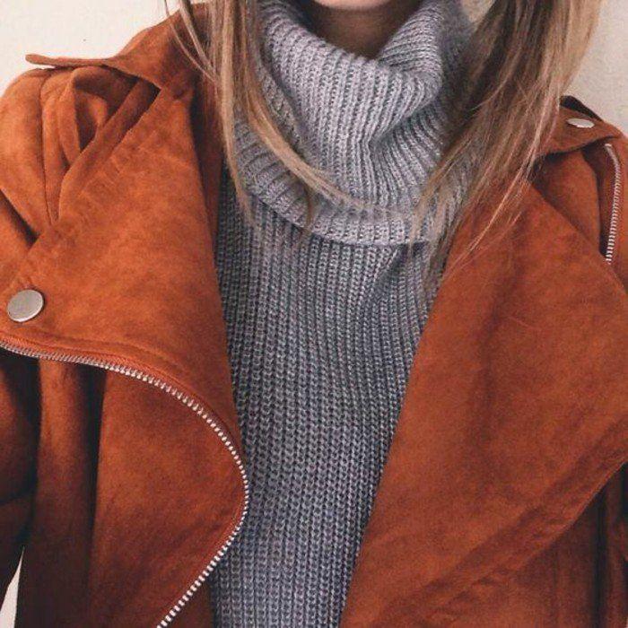 veste en velours et pull col roulé femme en gris, une tendance phare du saison automne hiver