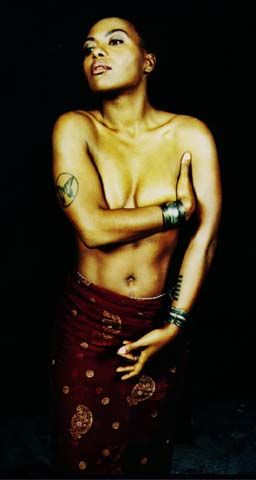Me'shell NdegeOcello.  By far my favorite music artist of all time.  Love this woman.