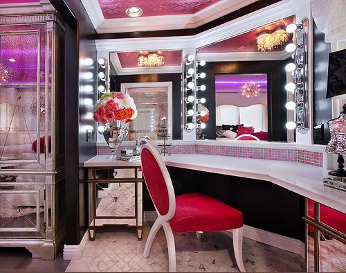 Now that is for a makeup artist - like me - need that