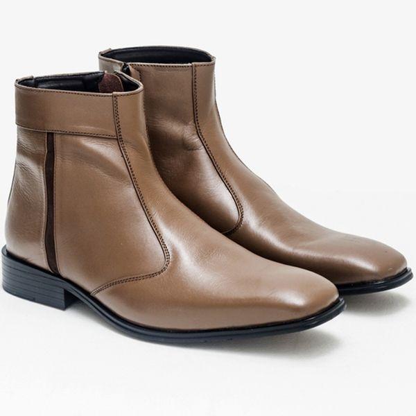 Produk terbaru dari www.eObral.com  Sepatu Boot Formal Pria Warna Coklat GRO 195  Harga: Rp 480.000  Warna: Brown  Bahan: Leather, Fiber  Size: 38-43  Info lengkap, silahkan kunjungi  (http://eobral.com/sepatu-boot-formal-pria-warna-coklat-gro-195/)  Untuk pemesanan, silahkan hubungi contact dibawah ini,  CS 1 ( SMS ke 085743770659 atau BBM ke 74BFCEDB ) CS 2 ( SMS ke 085634286626 atau BBM ke 7D6991FC )  Dengan format,  Kode Produk - Ukuran - Nama dan Al