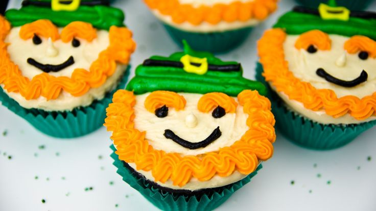 Leprechaun Cupcakes for Saint Patrick's Day by Cookies Cupcakes and Card...