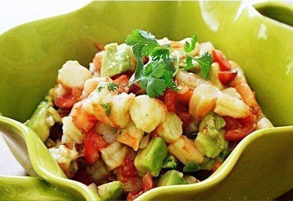 Еще больше рецептов здесь https://plus.google.com/116534260894270112373/posts  Мексиканский салат из авокадо и креветок  Ингредиенты: Креветки 1 авокадо 0,5 красного лука 2-3 ст ложки кинзы (мелконарезанной) 1-2 лайма 1 красный перец (болгарский) 1 ст ложка оливкового масла соль, перец  Приготовление: 1.Лук мелко покрошить, залить маслом, соком лайма, посолить и поперчить.. 2.Креветки разморозить, если замороженные или отварить если свежие. Очистить и порезать. Добавить к луку. 3.Авокадо…