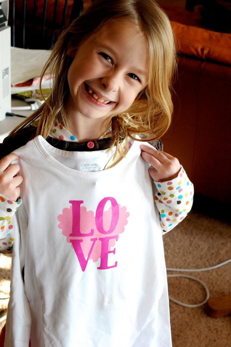 how to make a freezer paper stencil t shirt, valentine's day t shirt idea, valentines day t shirt for kids