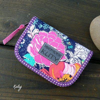 Barvy a styl ... : Barevné květy a bílé puntíčky...