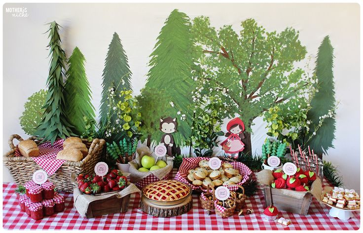Plan the Sweetest Little Red Riding Hood Party: Party Tutorial and FREE Food Label Printables