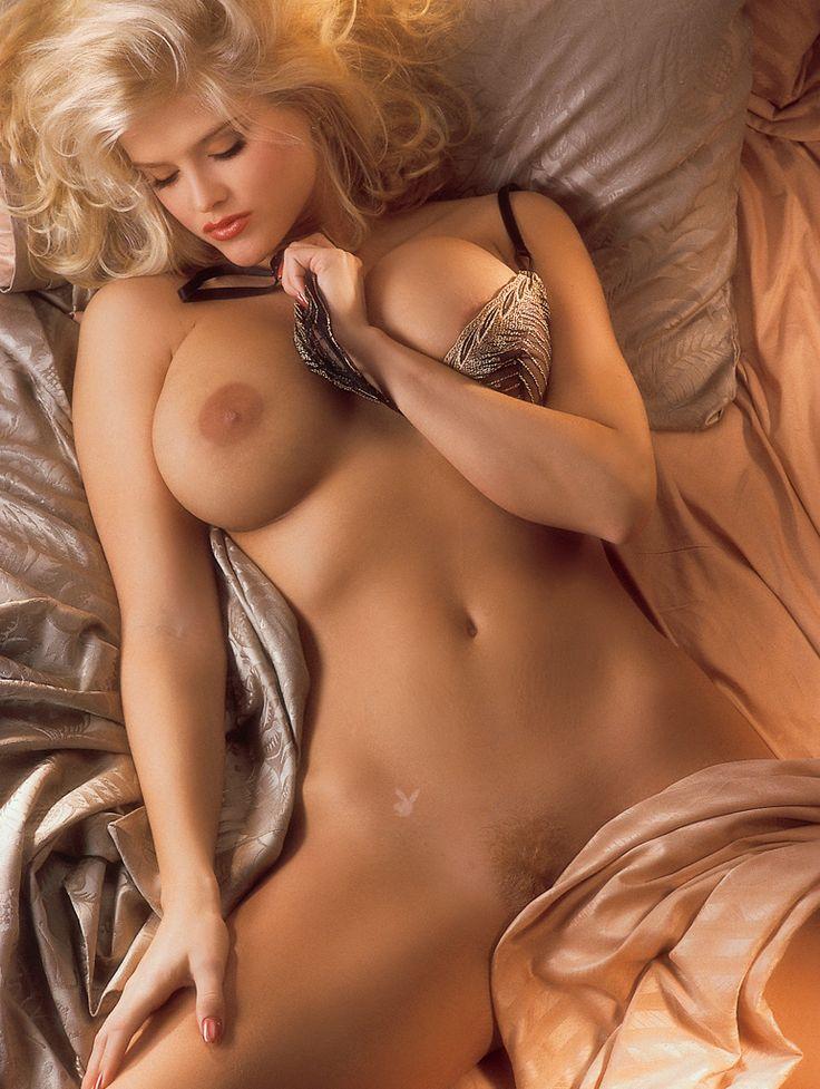 Anna Nicole Nude Photos 2