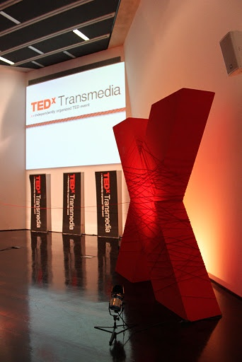 Simple X Stage Design - TedX Transmedia, 09/2011, Maxxi - Roma
