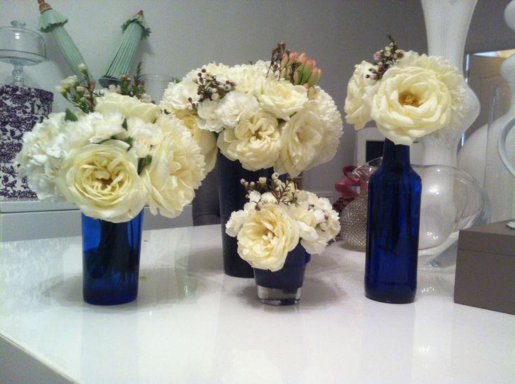 Azul y blanco colores del centro mesa para boda paola julio proyectos que intentar - Centros de mesa para boda economicos y elegantes ...