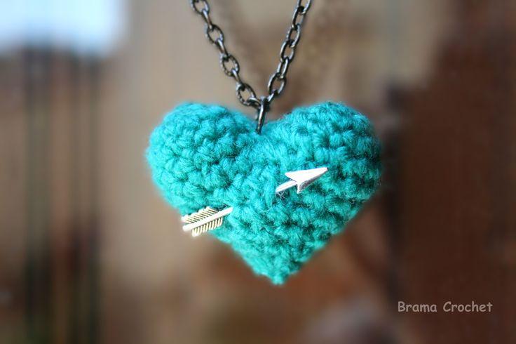 necklace collar collana amigurumi cuore corazón heart blue by Brama Crochet