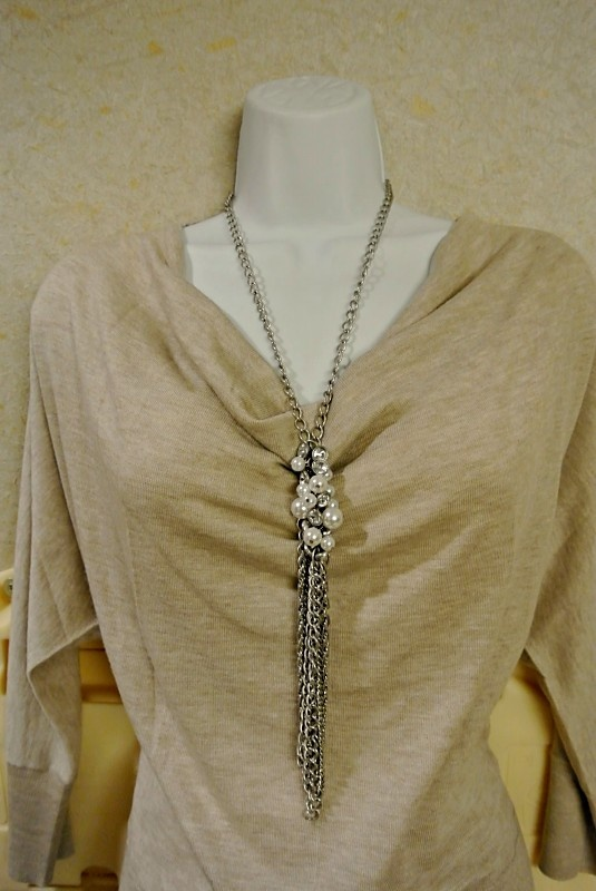 "Premier Designs ""Pearl Splash"" necklace - knotted & centered"