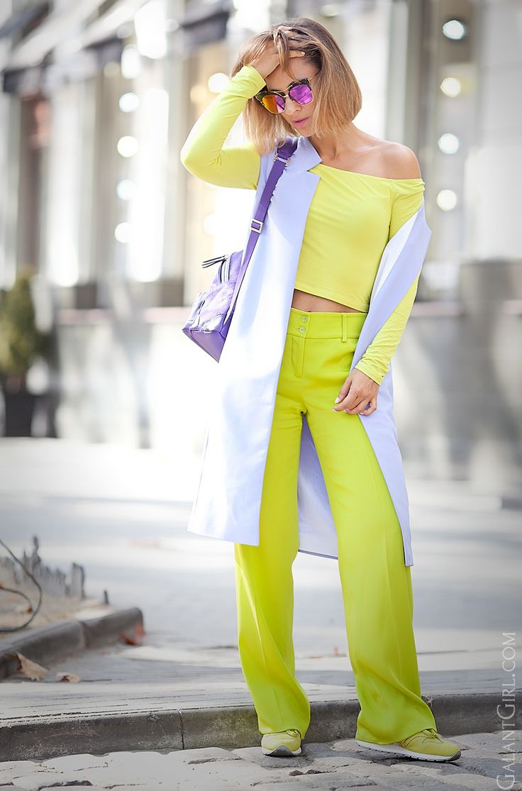 lime-green-top-outfit-sporty-chic-style-outfit-ideas-fashion-blogger-galant-girl