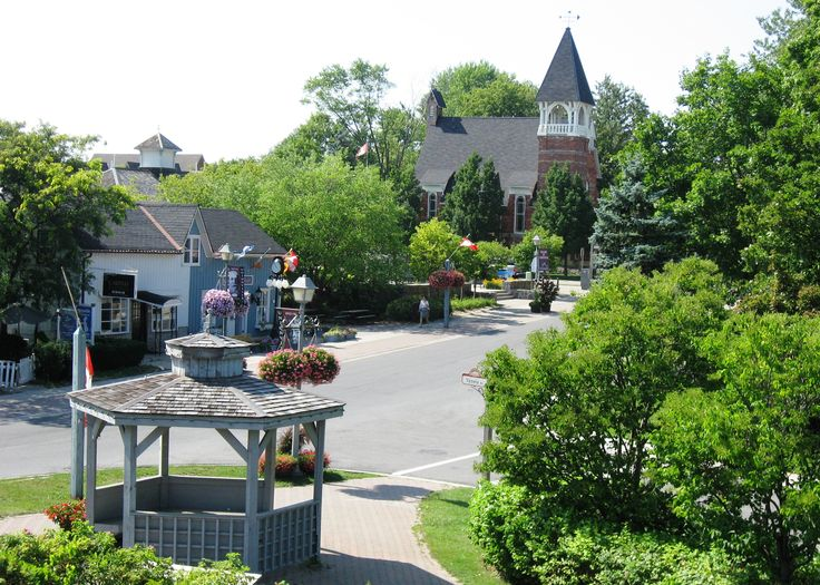 Unionville, Ontario - fallen in love with this place after seeing it on TV. Such a lovely, cute village. So need to go here! <3