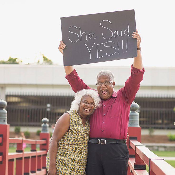 Esse casal de idosos é a prova de que nunca é tarde para o amor.  www.enoivado.com.br