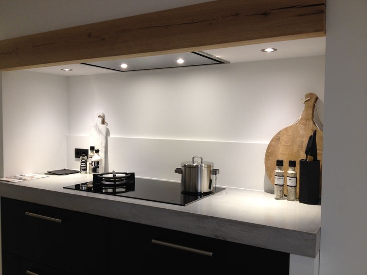 1000 images about keuken op pinterest gepolijst gips zwarte werkbladen en bankjes - Credence keuken wit ...