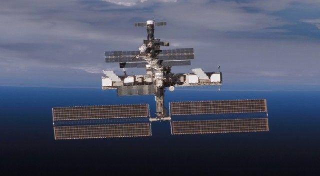 International Space Station may get laser cannon to vaporize orbital debris  International Space Station