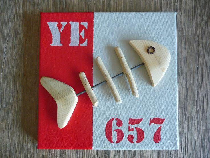 Tableau poisson Y.E. (Ile d'Yeu) bois flotté. rouge-beige : Sculptures, gravures, statues par c-driftwood http://www.alittlemarket.com/boutique/c_driftwood-1849323.html