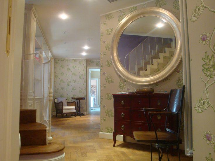 #interiordesigner #progettazione #design #progettazionesumisura #valterpisati #wallpaper #cartadaparati #specchio #spini #mirror
