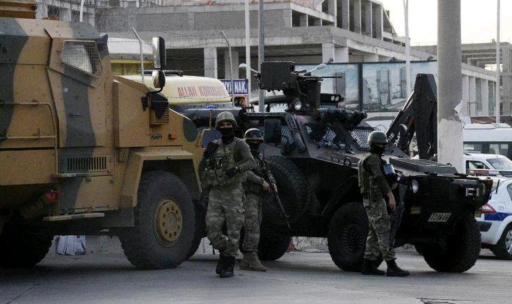 (SIWEL) — Dans un communiqué parvenu à notre rédaction, le Congrès National du Kurdistan dénonce le déploiement de milliers de policiers, militaires et membres des forces spéciales d'intervention turques dans les villes kurdes ou celles-ci « attaquent quotidiennement ces villes kurdes avec des...