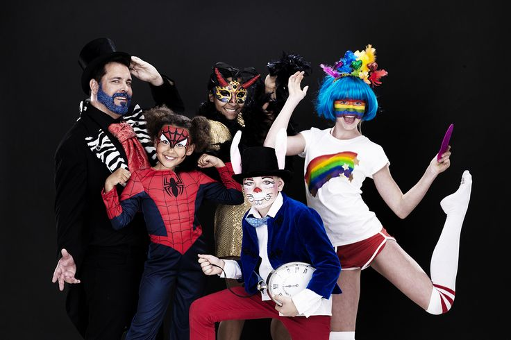 Masquerade themed party www.pandurohobby.com Masquerade by Panduro #DIY #face #paint #dressup #facepaint #masquerade #glitter #pride #fastelavn