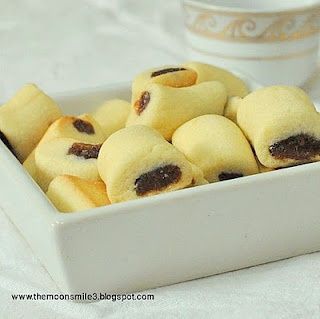No where in the world are the date cookies as good as in Saudi!