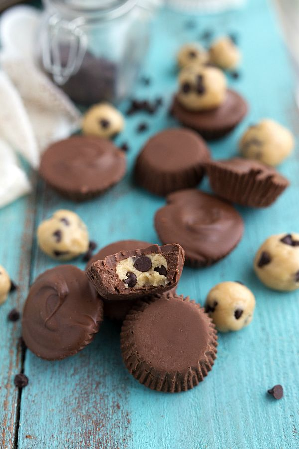 No bake chocolate chip cookie dough cups
