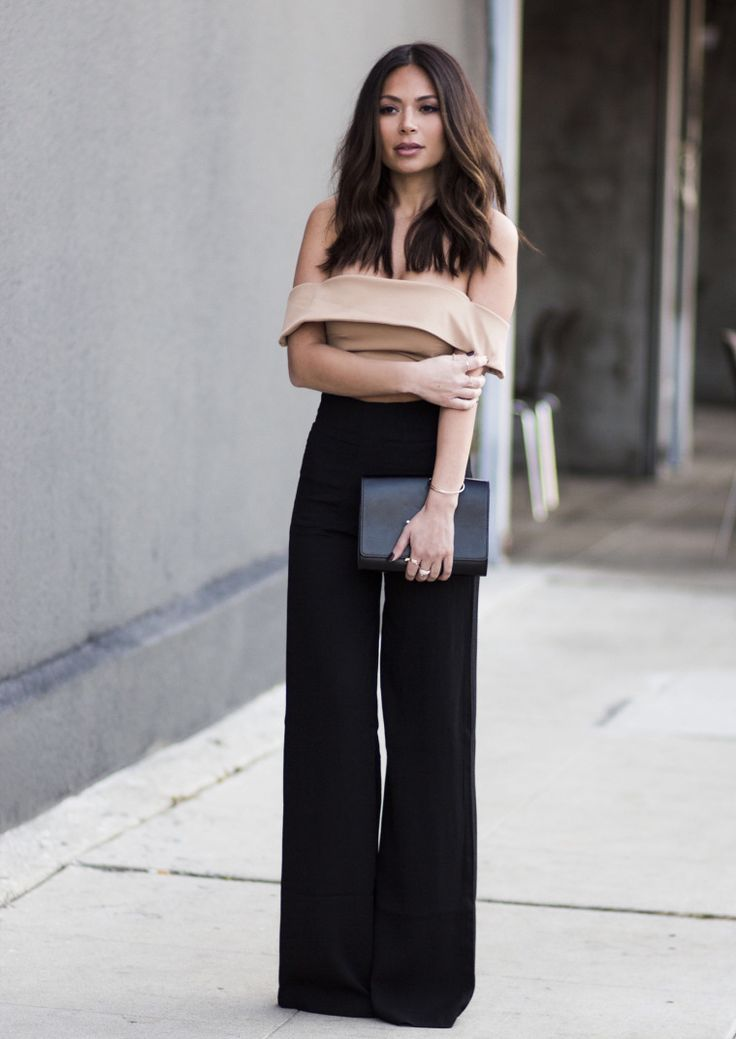 Street style | Black high waist palazzo pants with off the shoulder cream crop top #MariannaHewitt