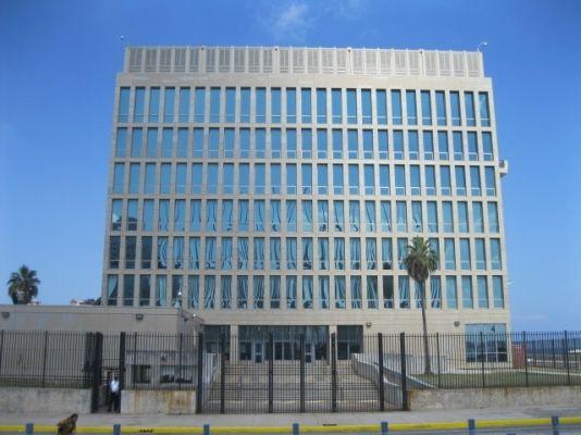 Embajada de EEUU publica los paroles concedidos a cubanos
