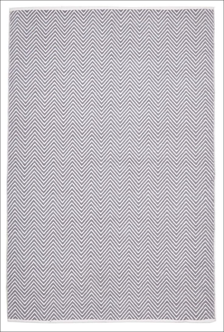 Grey Villa Modern Chevron Herringbone Rug which is Hand Loomed, made with Cotton material and an excellent addition to any home. https://www.rugsofbeauty.com.au/collections/chevron/products/villa-modern-herringbone-rug-grey?variant=19605231425