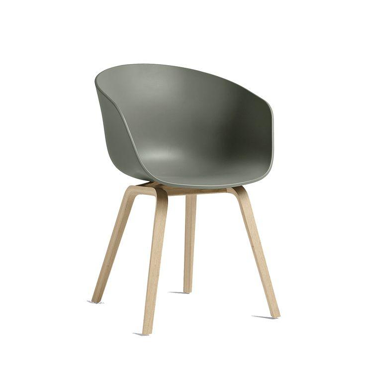 About a Chair 22, dusty green/såpade ekben – Hay – Köp online på Rum21.se