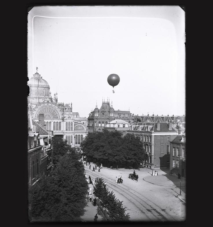 Jacob Olie, De gasballon Wilhelmina bij het Paleis voor Volksvlijt in Amsterdam, 8 juli 1893, Collectie Stadsarchief Amsterdam