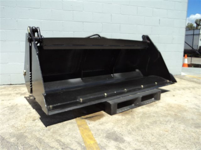 The YG 4 in 1 Telehandler buckets are back in stock.   2100mmW, 0.7m3 capacity with a bolt on wear edge, for just $4400 + GST. Stocks are limited so call today to place your order 1300 300 605 http://www.liftingsolutions.com.au/Attachments/Telehandler.aspx