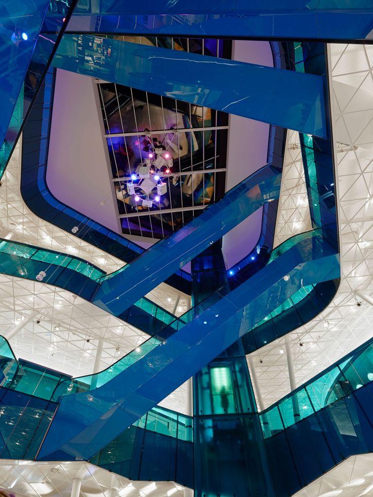 /Emporia köpcentrum/Emporia shopping center- Lighting design by Black Ljusdesign/ Black Lighting Design - Lighting Design - Architecture - Lighting - Public spaces - Mall - Interior - Escalator - Blue - Glass -