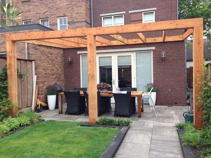 Veranda in de maak frame van douglas hout veranda 39 s pinterest verandas pergolas and - Bedekt hout pergola ...