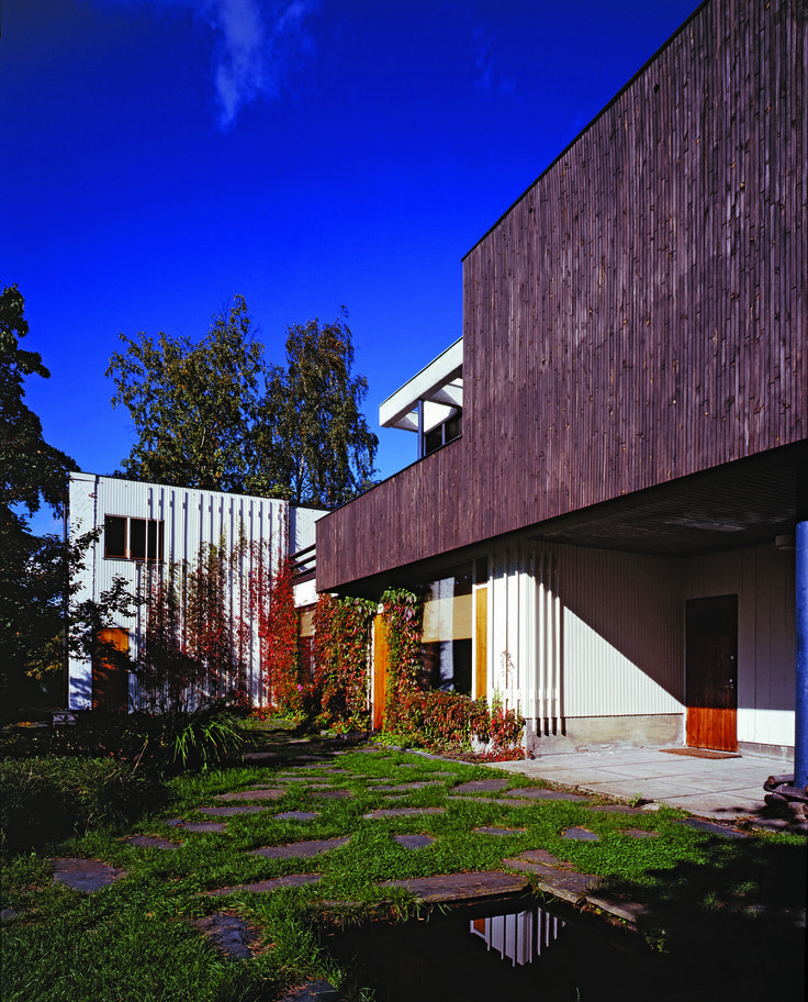 This week s beautiful book alvar aalto houses villas book and helsinki for Alvar aalto swimming pool jyvaskyla