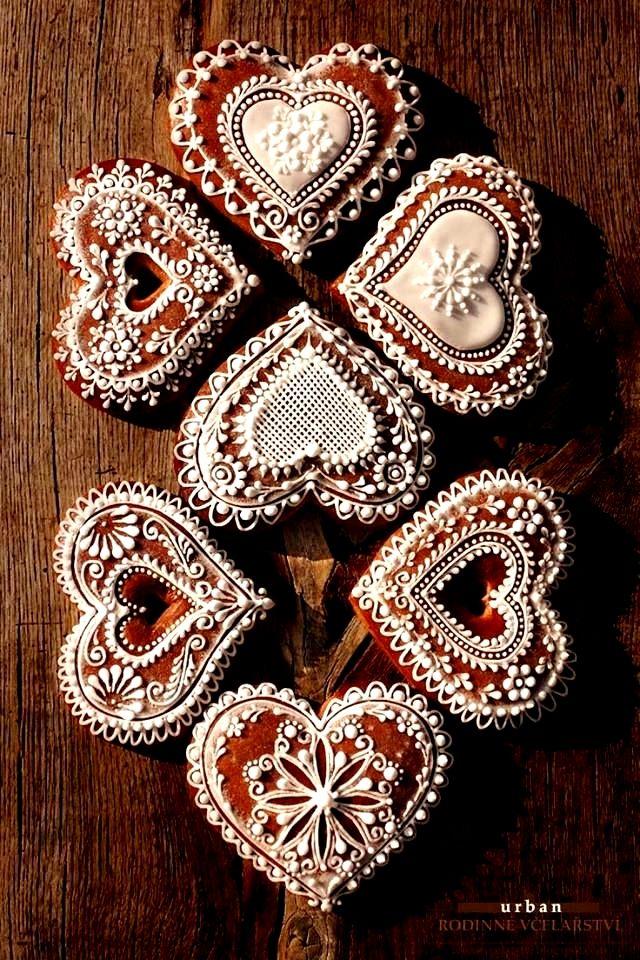 Christmas cookies gingerbread hearts beautiful piping ToniKami ℬe Meℜℜy stunning