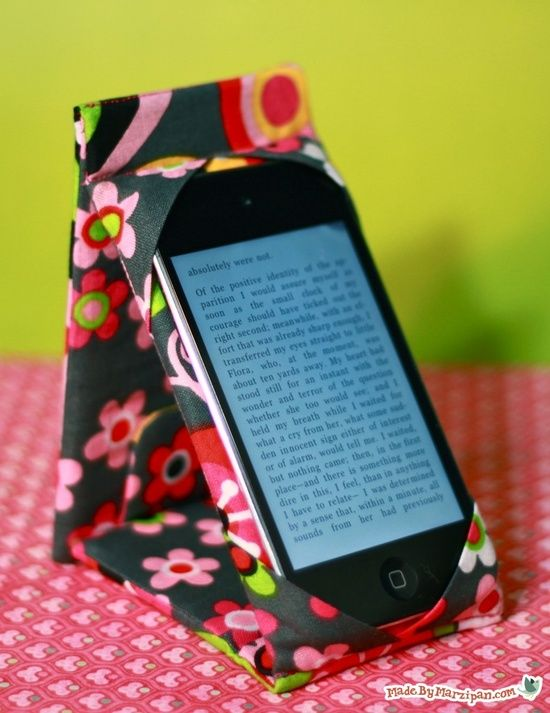 Make a combination Case Stand for your iPod Touch or iPhone. Or use the formula to adapt the pattern for your e-reader or iPad. It's padded to protect your device, snaps shut like a wallet, and stands on its own! @ DIY Home Ideas