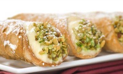 Cucina Siciliana: Ricetta dei Cannoli Siciliani al Forno Ripieni di Ricotta Light