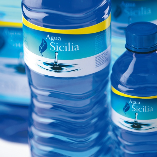 AGUA SICILIA. Agua mineral natural. Packaging, PLV dispensador de agua.