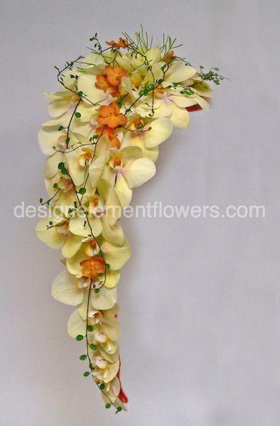 74 best images about cascade crescent bouquets on for Crescent bouquet
