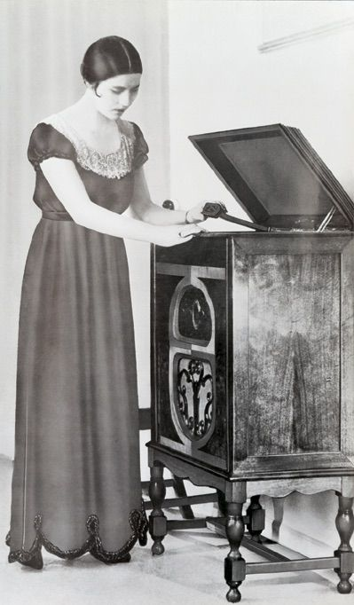 Beautifully designed radio gramophone launched by Bang & Olufsen in the early 1930s!