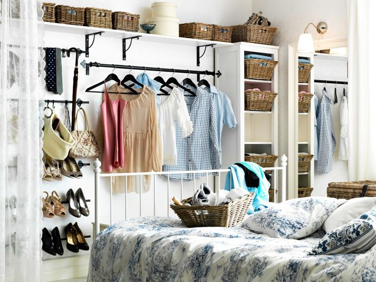 For seasonal clothing, you can always mount a rack for commonly used items to be ready at hand. The ones you wear rarely can be put on shelves that match the color of the walls.
