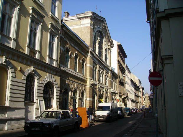 Budapest City.org | Hold utcai vásárcsarnok