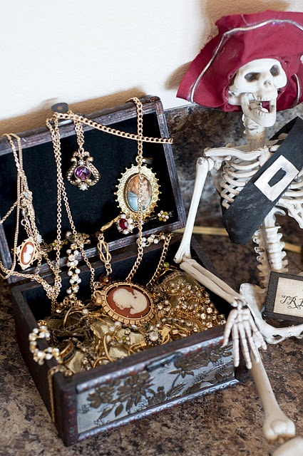 Diy Pirate Scene Halloween Pinterest Search Pirates