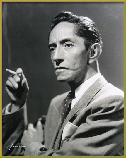 Agustín Lara, compositor y cantante mexicano, ante el asombro de todos se caso con Maria Felix. 1897+1970