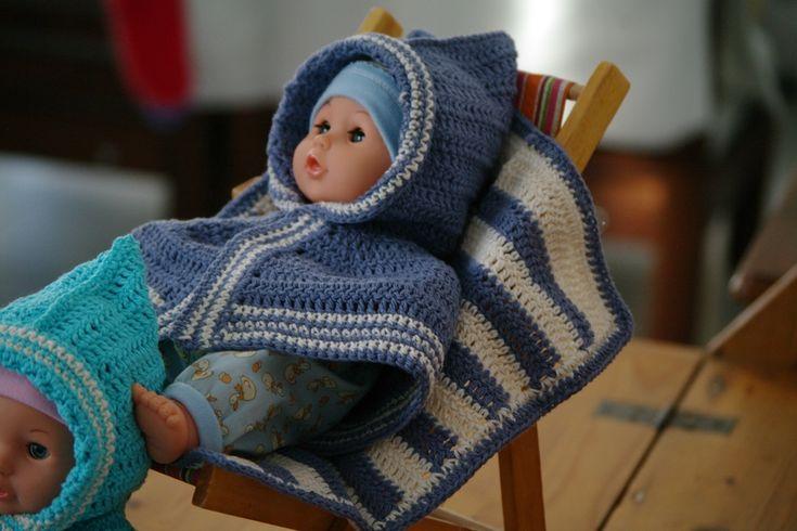 cape et couverture au crochet pour poupée
