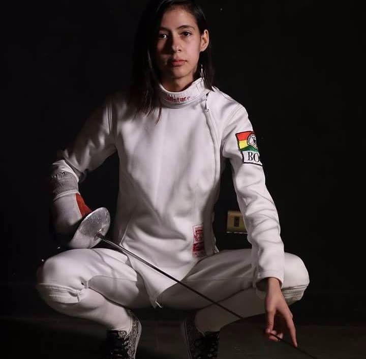 Fencer: Sofía Vargas Bolivia #fencing #fencinggirl #fitgirl #stronggirl #bolivia #womensfencing #bolivia #santacruzdelasierra #sczbolivia #motivation #strong #tierradecampeones #conchabamba #boliviaesgrima