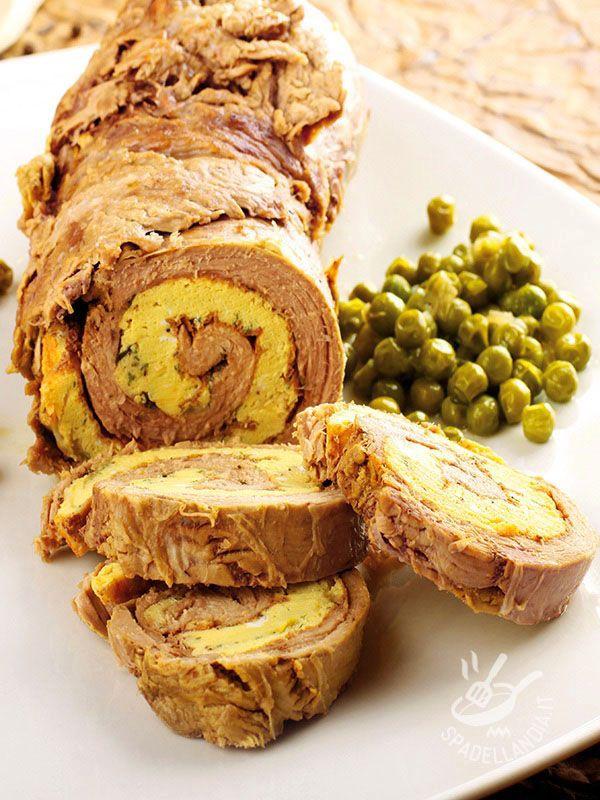 Il Girello farcito di frittata è una spirale di gusto arricchita da un tocco di pancetta coppata. Una vera goduria per il palato di tutta la famiglia!