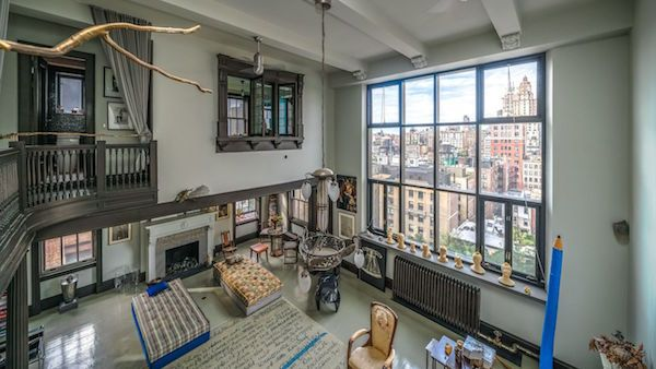 2 Celebs Homes One Gets Contract One Lingers I Love The Upper West Side Upper West Side Apartment Upper West Side Home