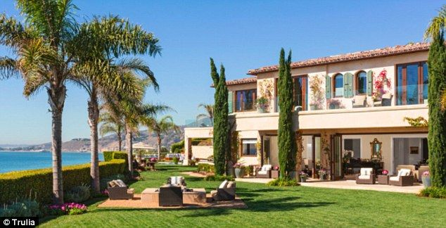 Sprawling property: The 11,622 square feet home also has nine bathrooms yolanda foster's house