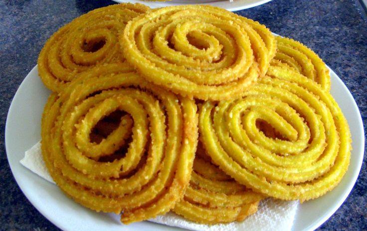 Farali chakri is fasting variant of famous Gujarati Snacks Chakri. Farali chakri tastes as delicious as wheat flour chakri.